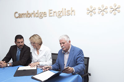 Firma del Convenio entre la FEUP y la Cambridge English Language Assessment